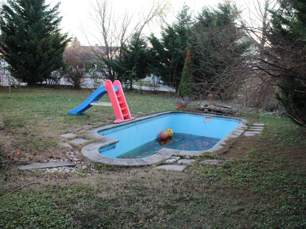 Modernes Einfamilienhaus mit gepflegtem Garten und Pool /  / 2440Reisenberg / Bild 10