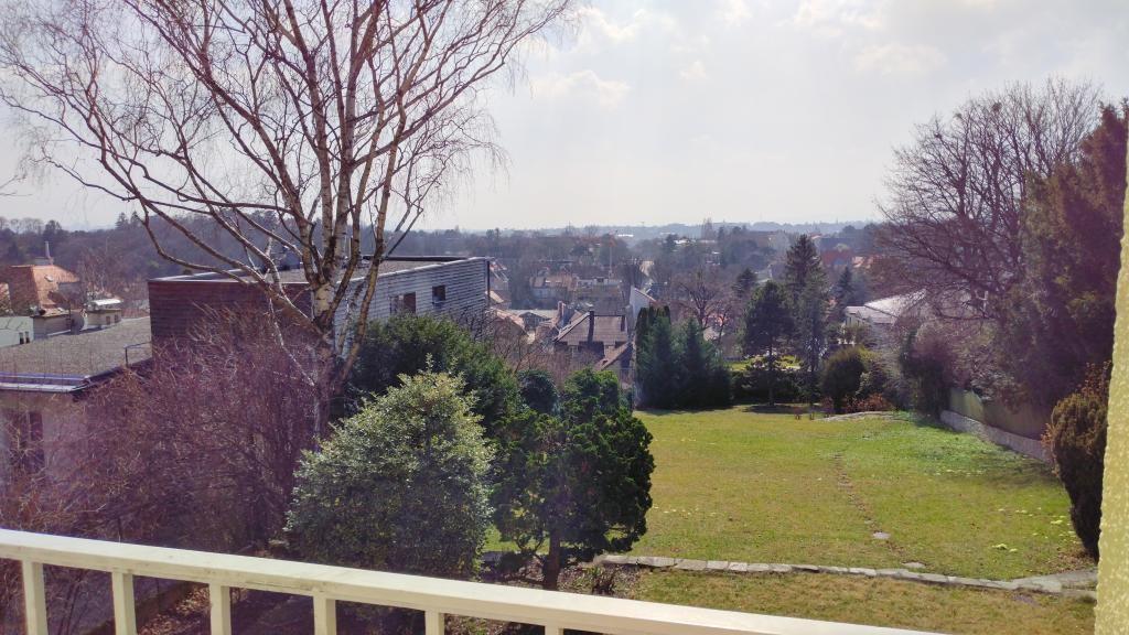 Villa mit Aussicht in Grünruhelage, sehr großer Garten, Garage, Weinkeller /  / 1190Wien / Bild 1