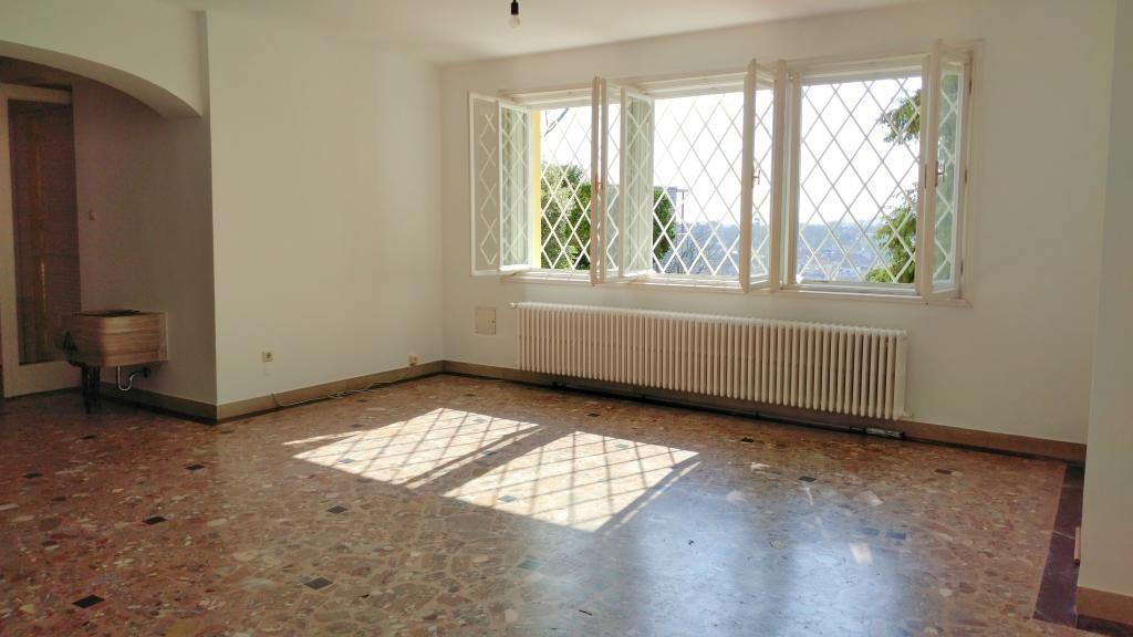Villa mit Aussicht in Grünruhelage, sehr großer Garten, Garage, Weinkeller /  / 1190Wien / Bild 5