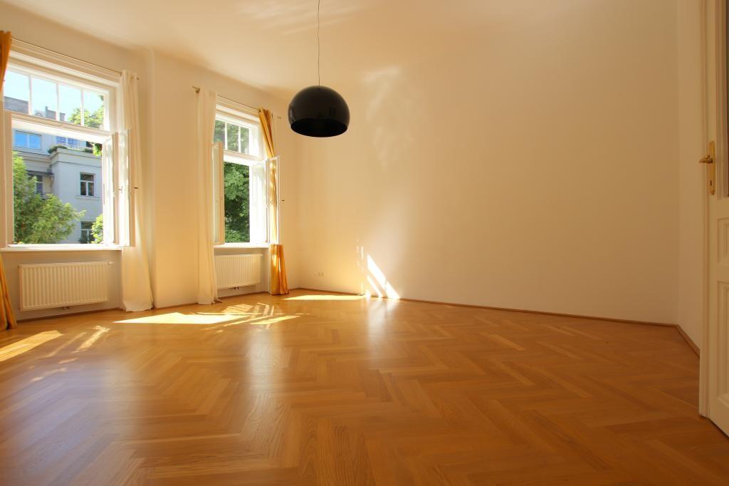 Bestlage in Alt-Hietzing - toprenovierte Beletage 200m² einer wunderschönen Villa /  / 1130Wien / Bild 0