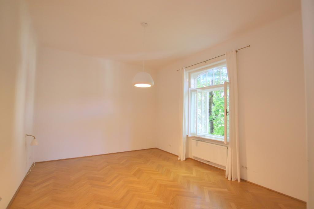 Bestlage in Alt-Hietzing - toprenovierte Beletage 200m² einer wunderschönen Villa /  / 1130Wien / Bild 1