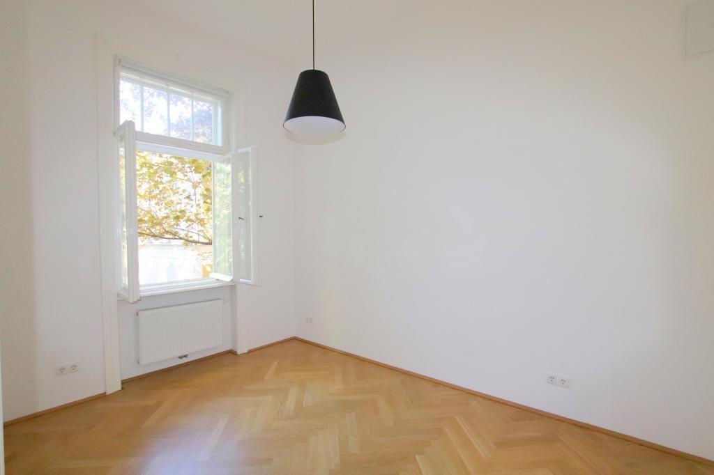Bestlage in Alt-Hietzing - toprenovierte Beletage 200m² einer wunderschönen Villa /  / 1130Wien / Bild 3