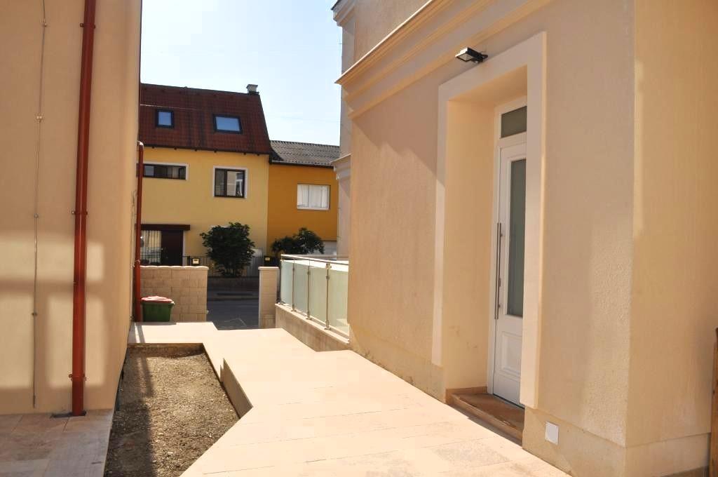 jpgcnt ---- PROVISIONSFREI: schöne 3 Zimmerwohnung mit großer Terrasse /  / 1230Wien / Bild 0