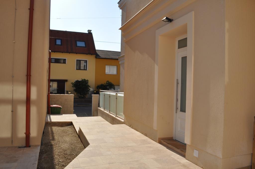 PROVISIONSFREI: schöne Neubau-Doppelhaushälfte mit großer Terrasse und Garten /  / 1230Wien / Bild 1