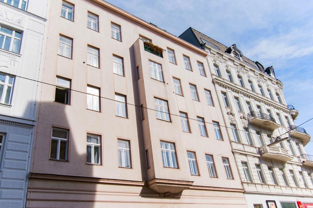 Klassische Altbauwohnung mit kleinem Balkon /  / 1090Wien, Alsergrund / Bild 1