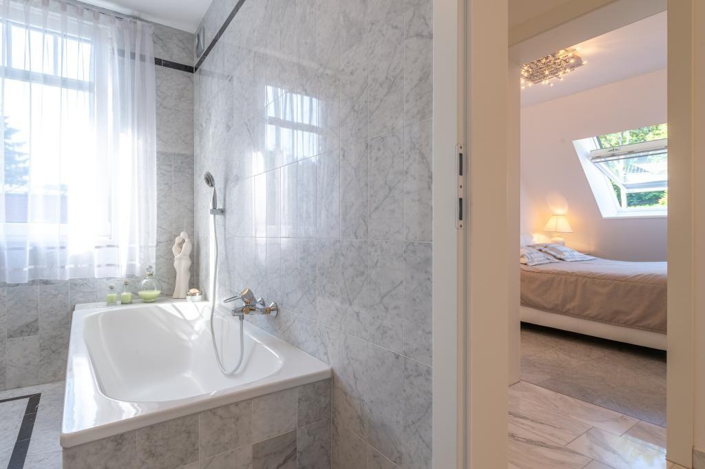 jpgcnt ---- Elegante 4 Zimmer Dachgeschoßwohnung / 70 m² wunderschöner Terrasse / Wienblick / Lainzer Tiergarten /  / 1130Wien, Hietzing / Bild 13