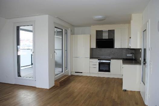Neubau-Erstbezug! Wunderschöne, sonnige Dachgeschoß-Wohnung mit Loggia!