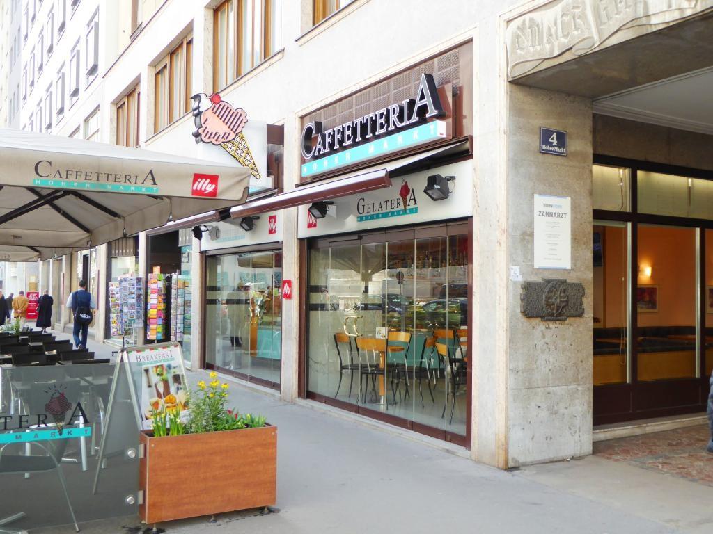 CITY APARTMENT IN THE HEART OF VIENNA /  / 1010Wien / Bild 2