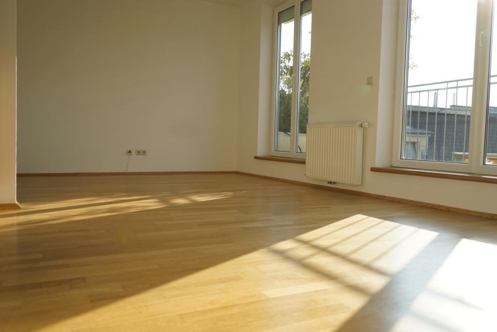 jpgcnt ---- Lichtdurchflutete DG Terrassen-Wohnung in zentraler Lage Döbling /  / 1190Wien / Bild 5