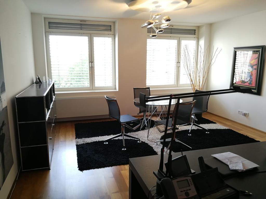 jpgcnt ---- Großzügiges 2-Zimmer-City-Appartement inkl. 2 Garagenplätzen! /  / 1010Wien / Bild 1