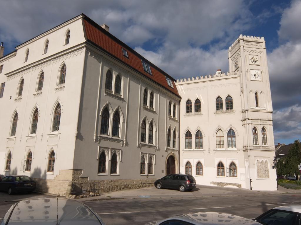 !Luxus Pur!  Traumhafte Altbauwohnung in historischem Ambiente /  / 2000Stockerau / Bild 4