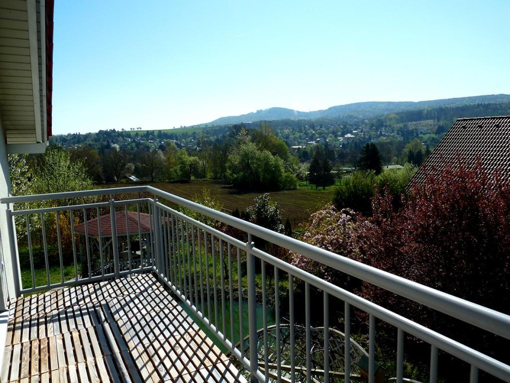 Familienwohnsitz mit Wintergarten, Teich und Burgblick /  / 3040Neulengbach / Bild 0