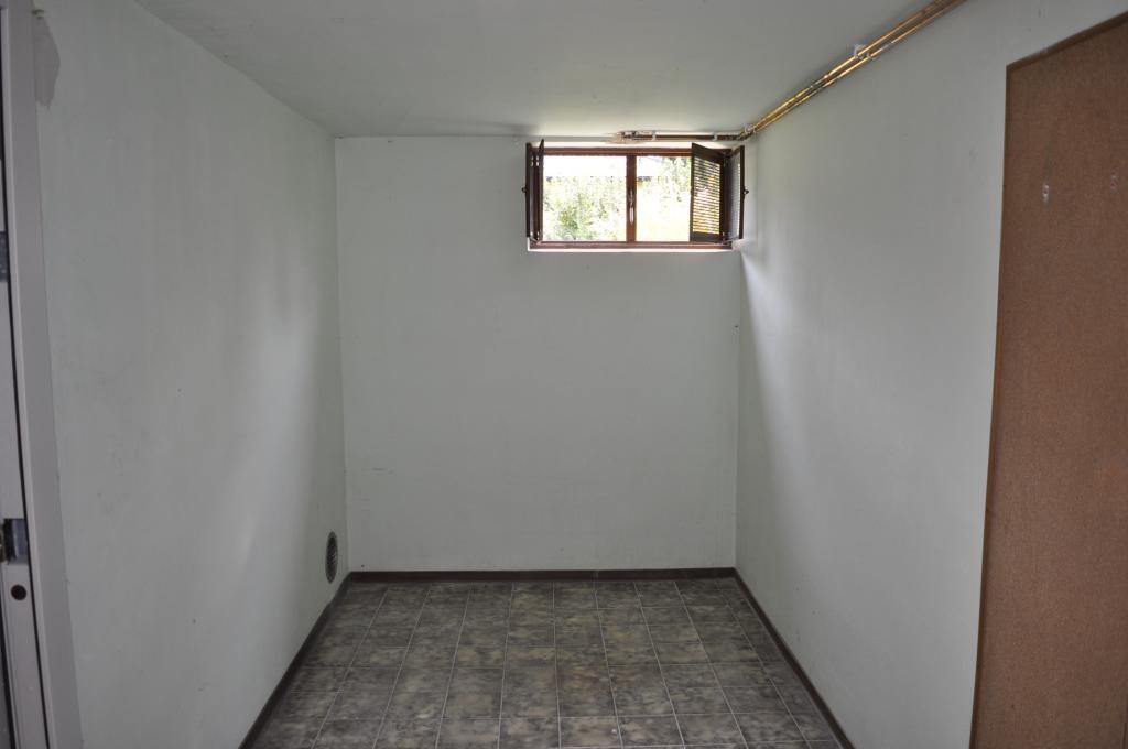 Teilsaniertes Einfamilienhaus mit Schwimmbiotop /  / 2421Kittsee / Bild 1