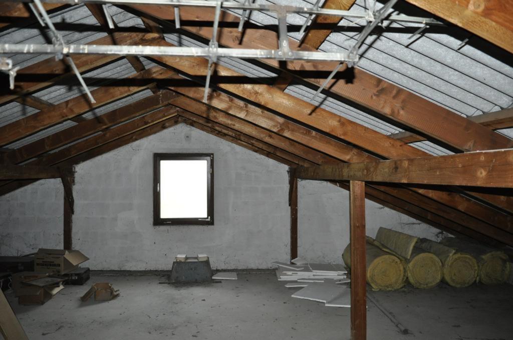 Teilsaniertes Einfamilienhaus mit Schwimmbiotop /  / 2421Kittsee / Bild 2