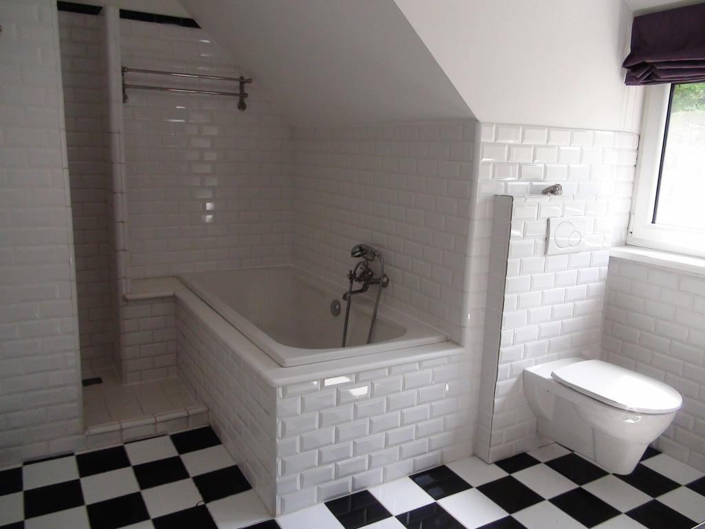 Traumhaus auf einem Eckgrundstück mit Schwimmteich, Sauna, Alarmanlage uvm. /  / 2440Gramatneusiedl / Bild 6