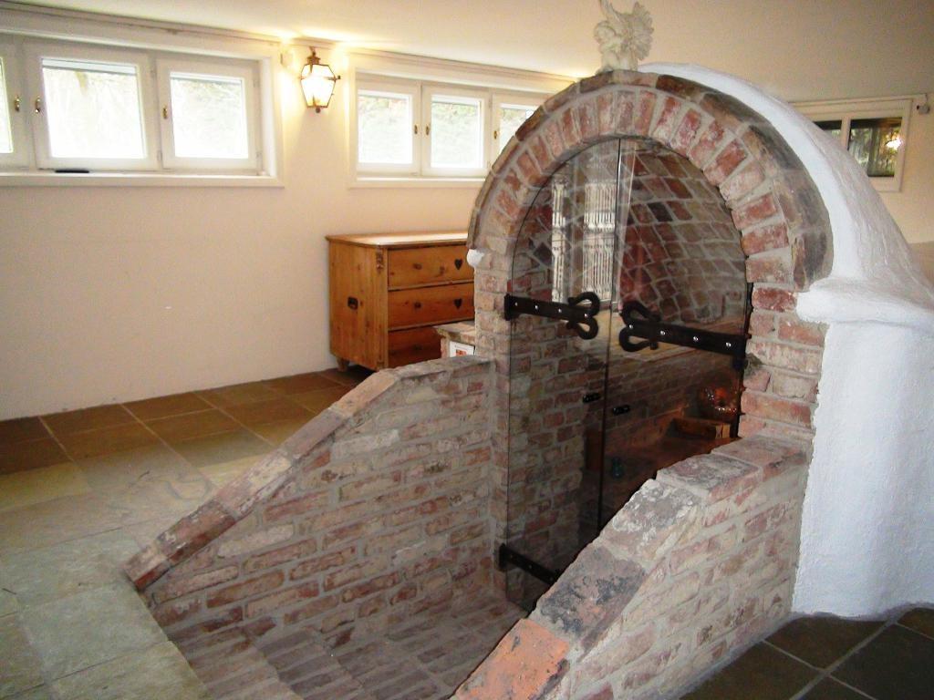 Traumhaus auf einem Eckgrundstück mit Schwimmteich, Sauna, Alarmanlage uvm. /  / 2440Gramatneusiedl / Bild 11