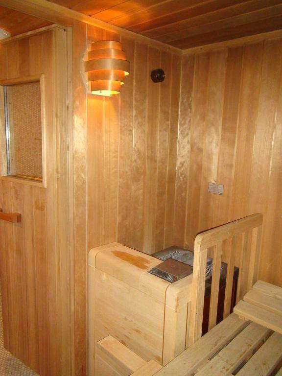 Traumhaus auf einem Eckgrundstück mit Schwimmteich, Sauna, Alarmanlage uvm. /  / 2440Gramatneusiedl / Bild 13