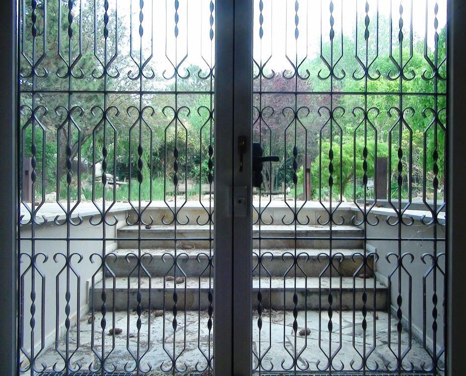 Traumhaus auf einem Eckgrundstück mit Schwimmteich, Sauna, Alarmanlage uvm. /  / 2440Gramatneusiedl / Bild 15