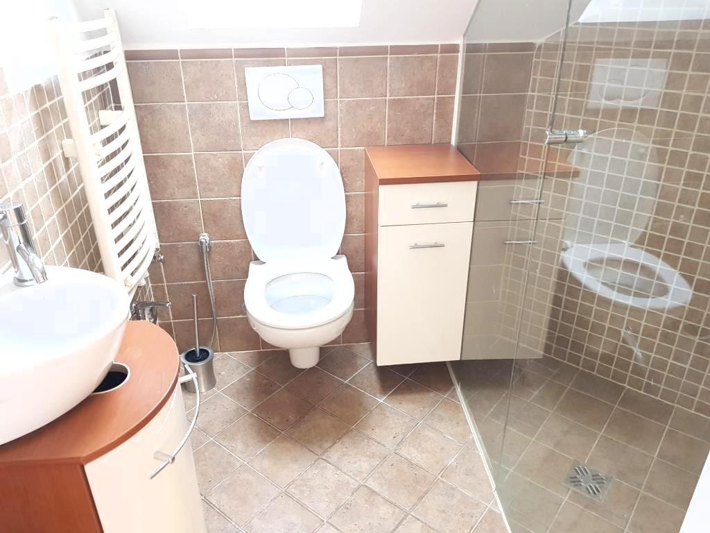 Dachgeschosstraum 4 Zimmer Wohnung mit Dachterasse /  / 1040Wien / Bild 2