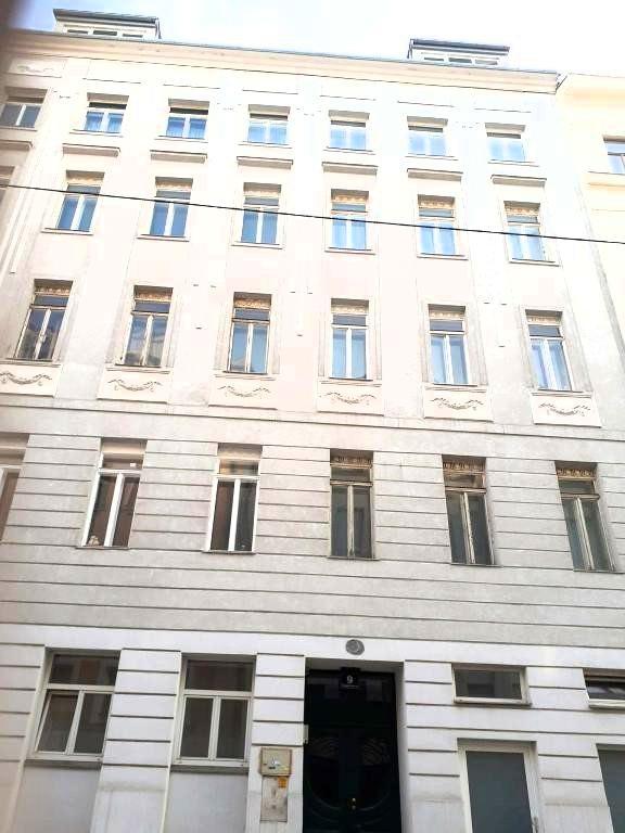 Dachgeschosstraum 4 Zimmer Wohnung mit Dachterasse /  / 1040Wien / Bild 5