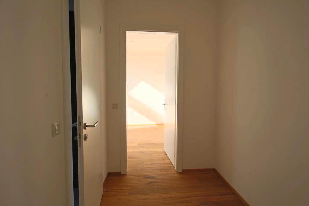 jpgcnt ---- ERSTBEZUG Traumhafte 3-Zimmer DG Wohnung mit Terrasse und Dachterasse /  / 1200Wien / Bild 3