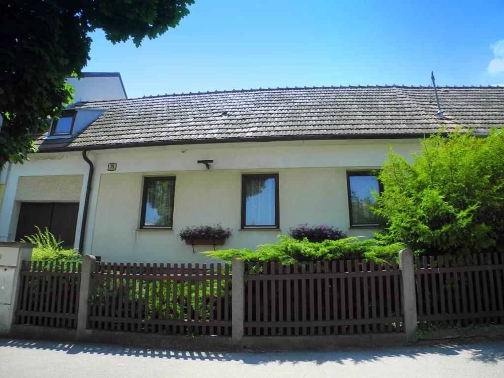 Altes Weinhauerhaus in Pfaffstätten - renovierungsbedürftig! /  / 2511Pfaffstätten / Bild 12