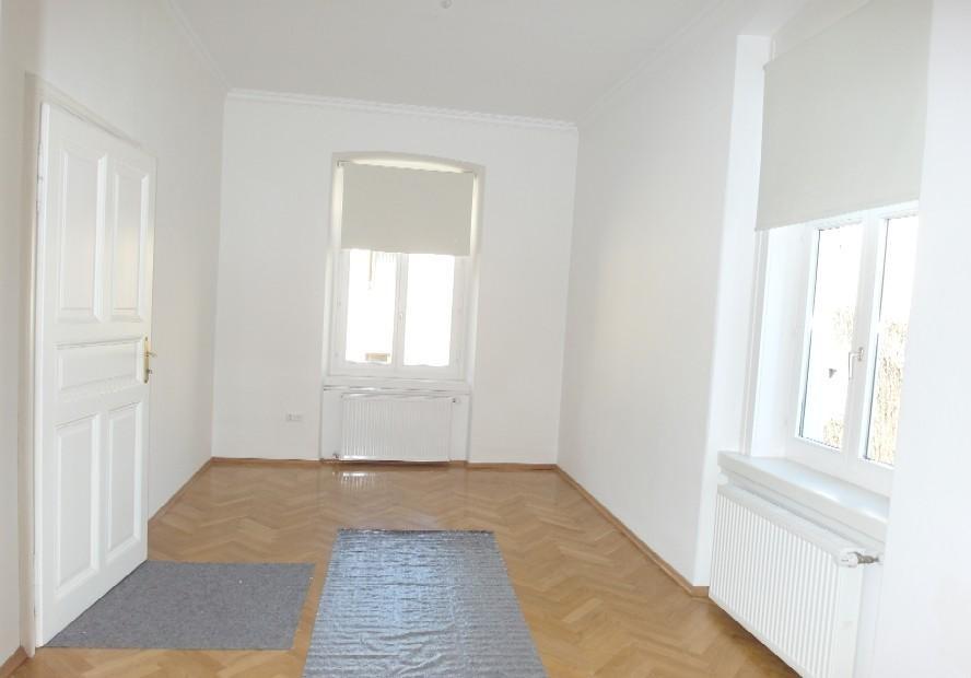 jpgcnt ---- St.Veit/Glan - Zentrum MIETE: Wunderschöne, helle Altbauwohnung neu saniert, 140 m² Wfl. /  / 9300St. Veit an der Glan / Bild 0