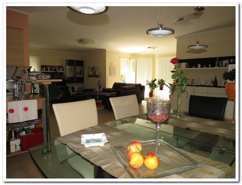 Modernes Einfamilienhaus mit Einliegerwohnung und überdachten Pool /  / 2231Strasshof an der Nordbahn / Bild 3