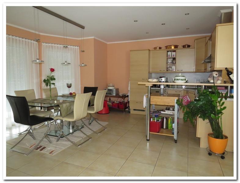 Modernes Einfamilienhaus mit Einliegerwohnung und überdachten Pool /  / 2231Strasshof an der Nordbahn / Bild 4