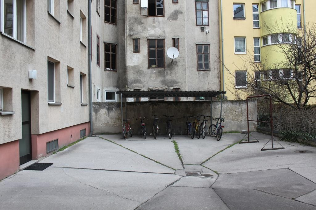 Erstbezug - 4. Liftstock - 3 Zimmer Familienwohnung!! /  / 1100Wien / Bild 3