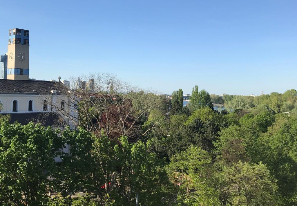 jpgcnt ---- DACHGESCHOSS MIT TRAUMTERRASSE und blick auf die Skyline /  / 1220Wien / Bild 0