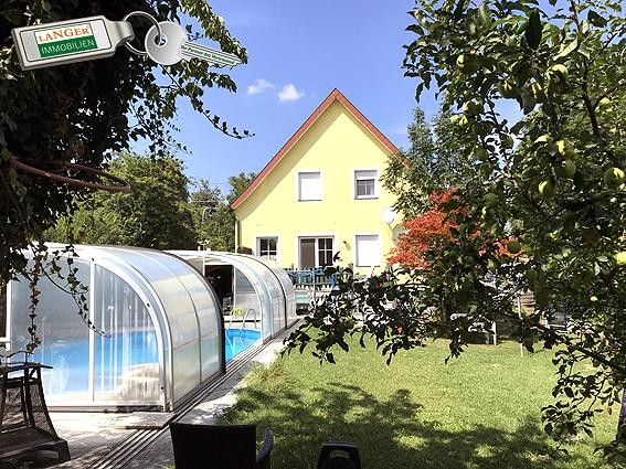 Großzügiges Wohnhaus mit Vollkeller, Doppel-Carport und Poo!!!