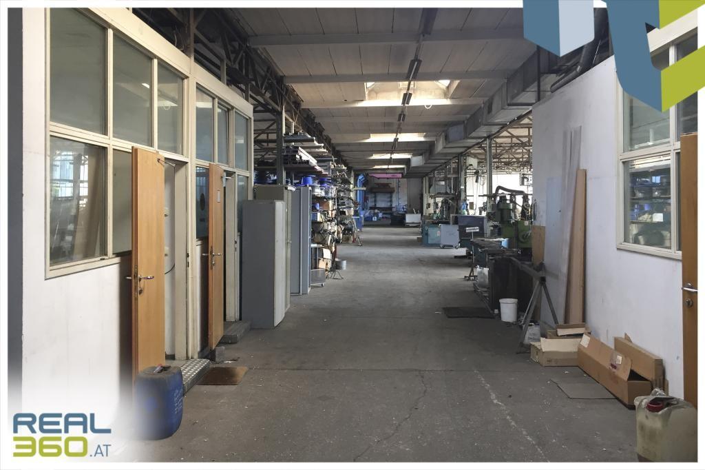 Lagerhalle mit angrenzenden Büroflächen