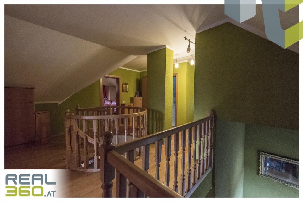 Sackgasse mit Aussichtslage! Liebenswertes Familiendomizil am Gründberg zu verkaufen! /  / 4040Linz / Bild 2