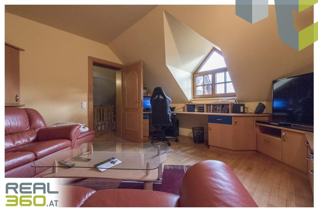 Sackgasse mit Aussichtslage! Liebenswertes Familiendomizil am Gründberg zu verkaufen! /  / 4040Linz / Bild 4