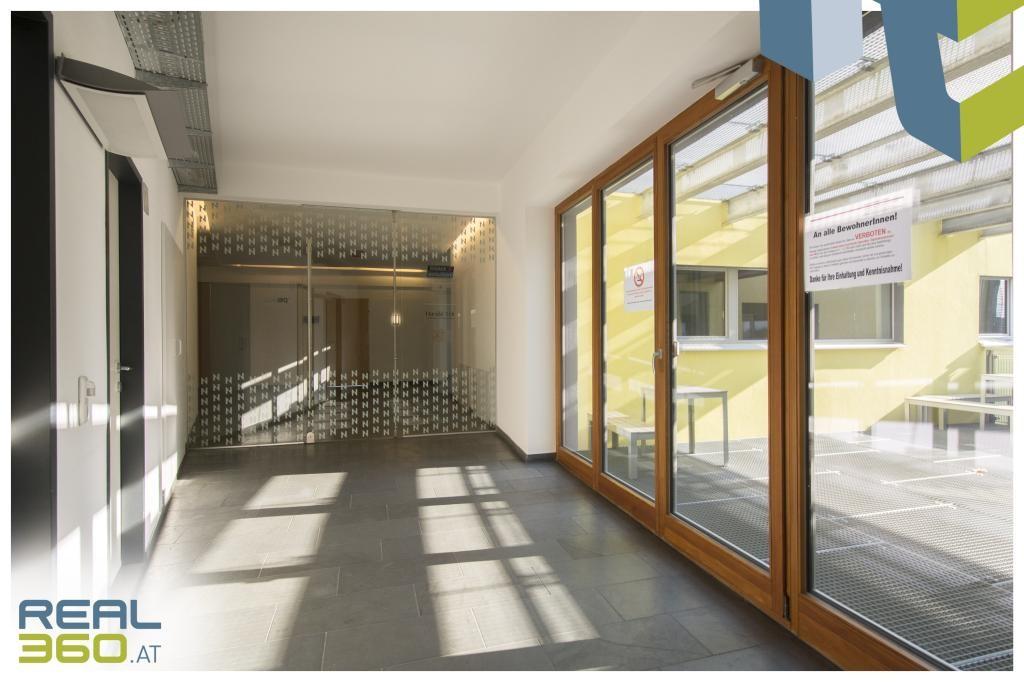 Zugang Büro und Terrasse