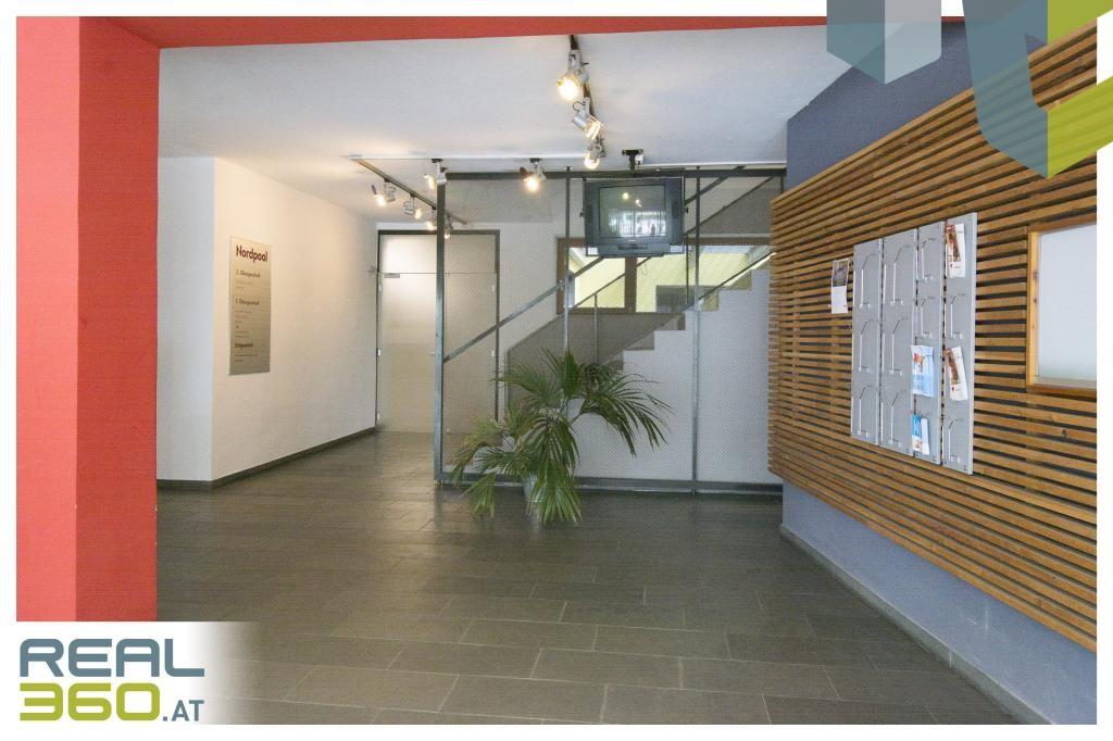 Eingangsbereich Gebäude II