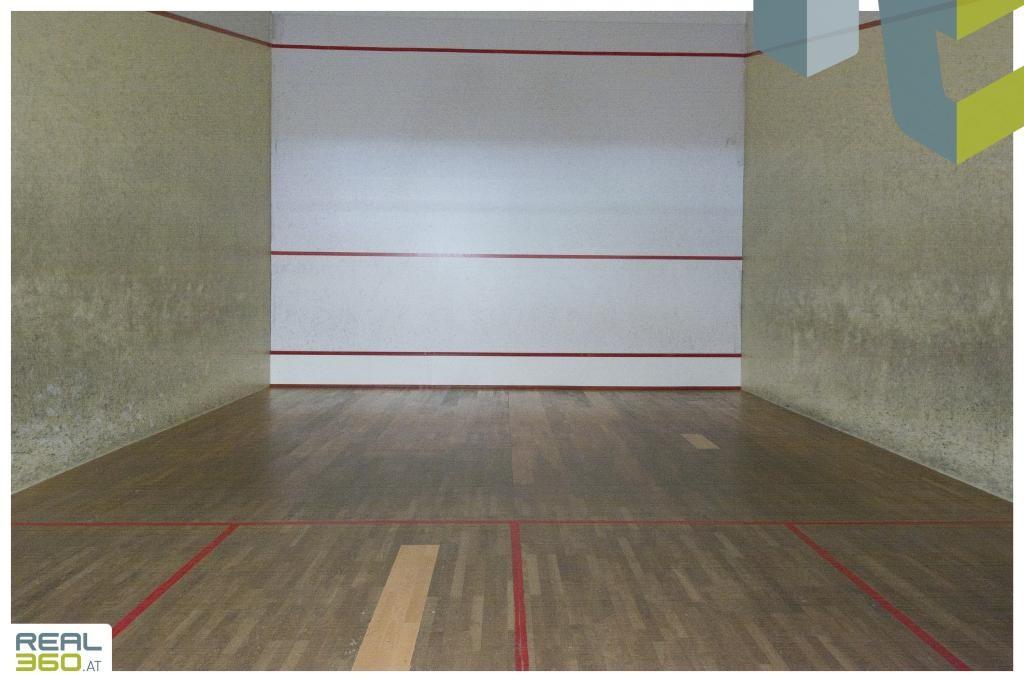 Beispiel Squashhalle