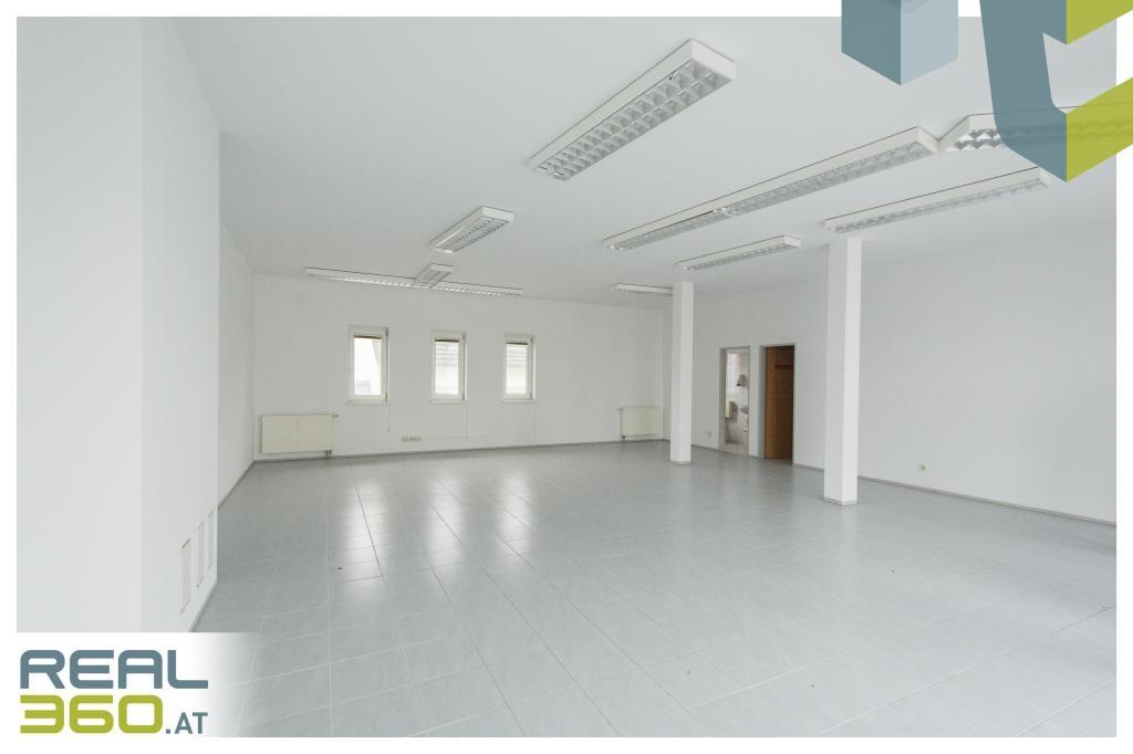 Provisionsfrei - Helle Geschäftsfläche mit großer Auslagefläche zu verkaufen!
