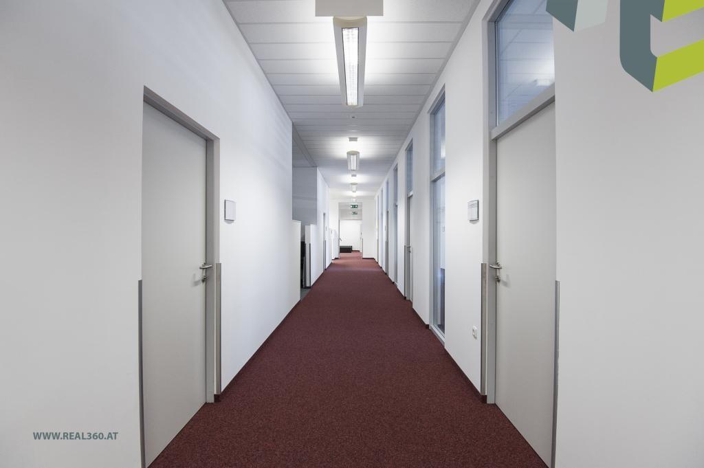 Gangbereich II zu den Büros