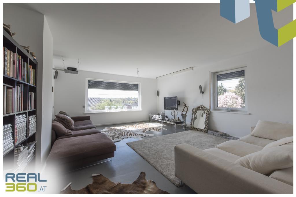 Wohnzimmer mit Süd- und Westfenster