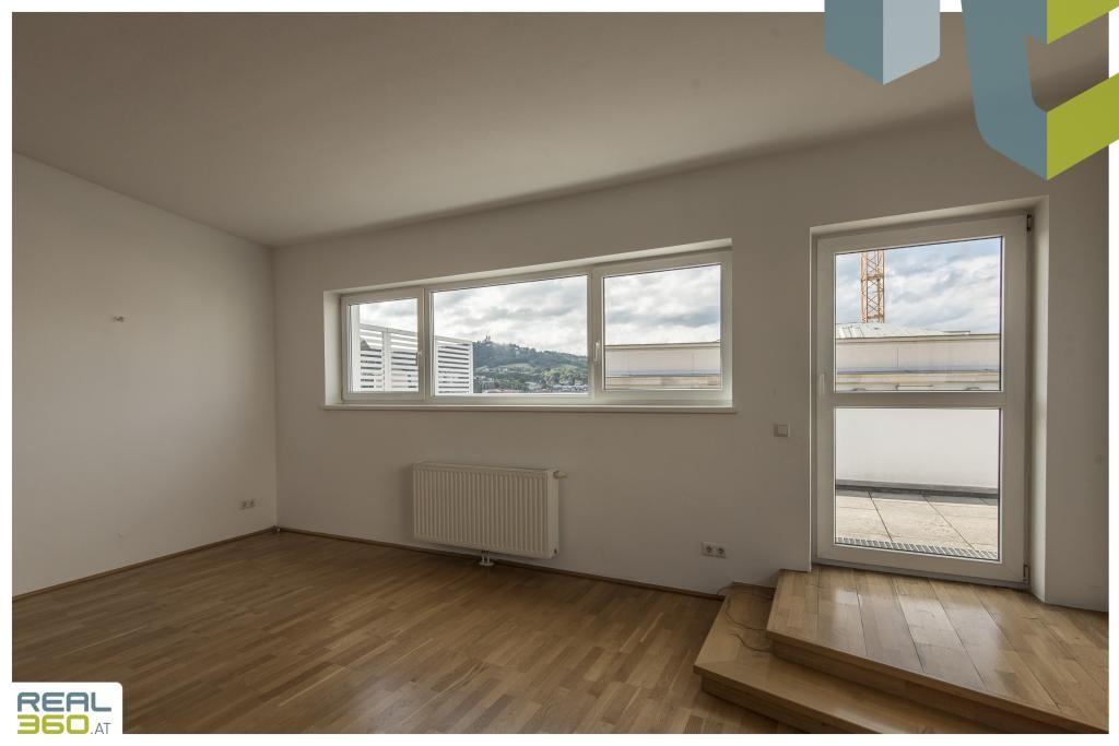 Fensterfront zur Terrasse auf der Galerie