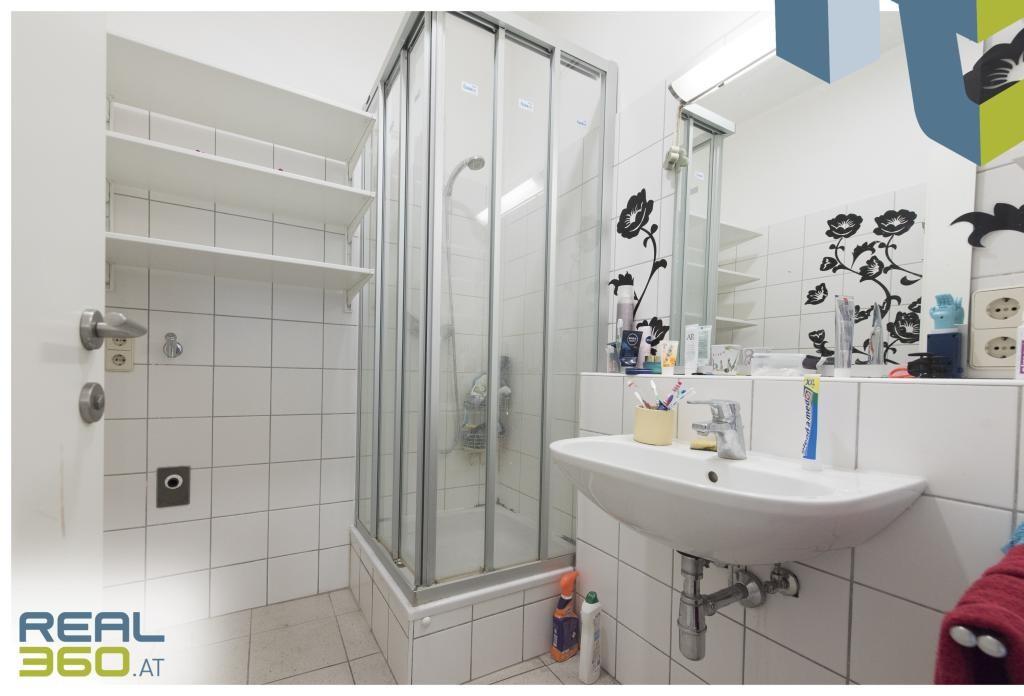 Eines der beiden Badezimmer