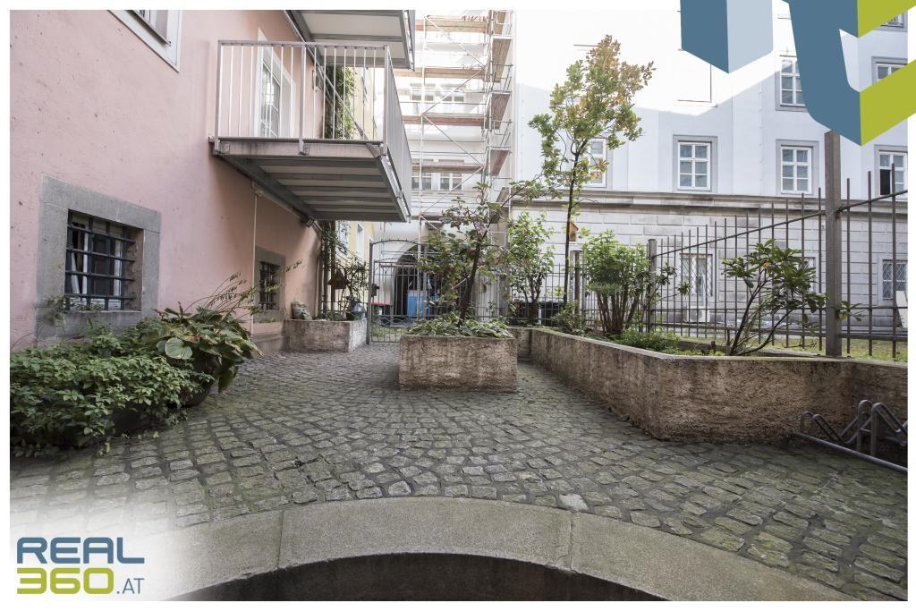 Innenhof mit Fahrradabstellplatz