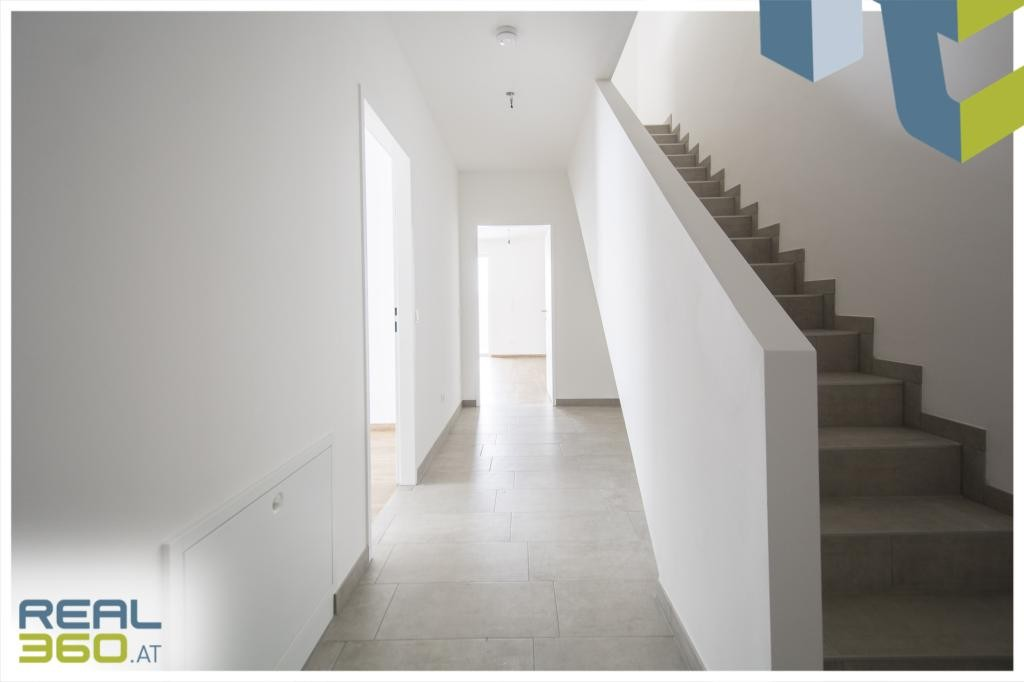 Foyer / Stiegenaufgang