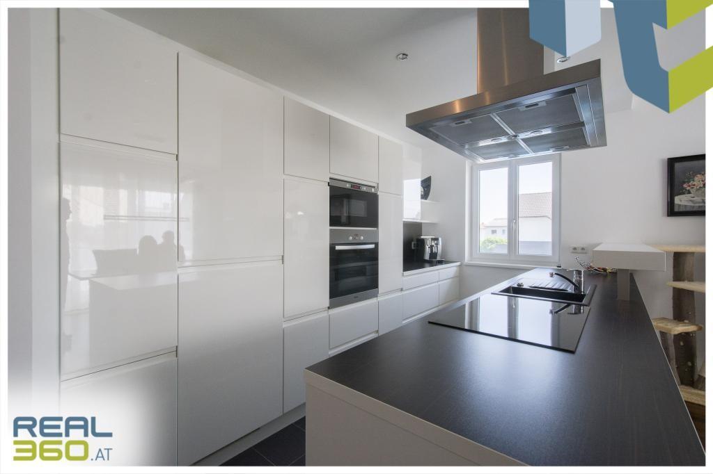 Moderne und voll ausgestattete Küche I