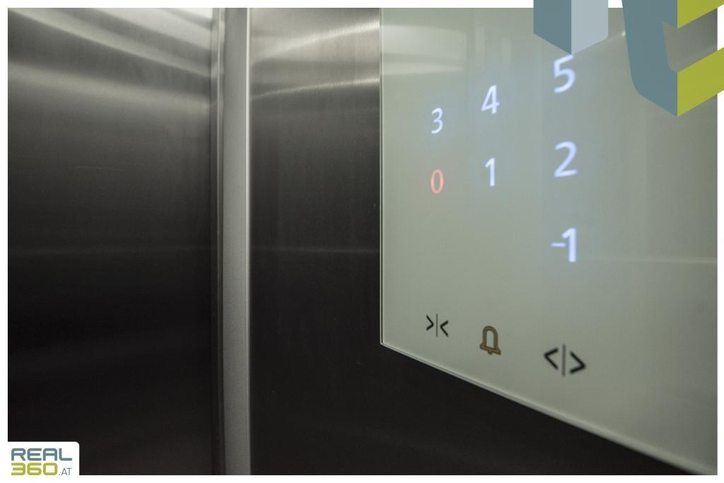 Lift 1 von 2