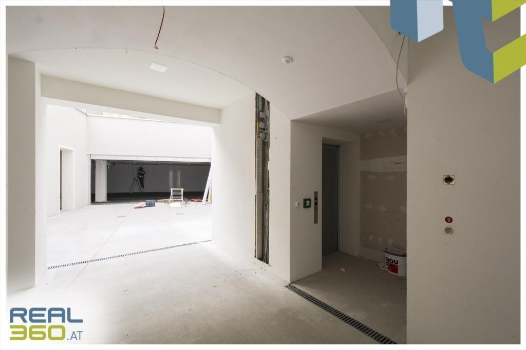 Zugang zu Hof und Garage