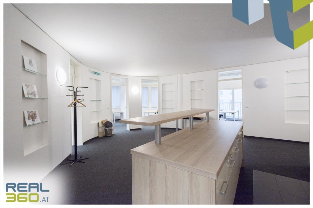 Aufenthaltsbereich und Zugang zu den Büros