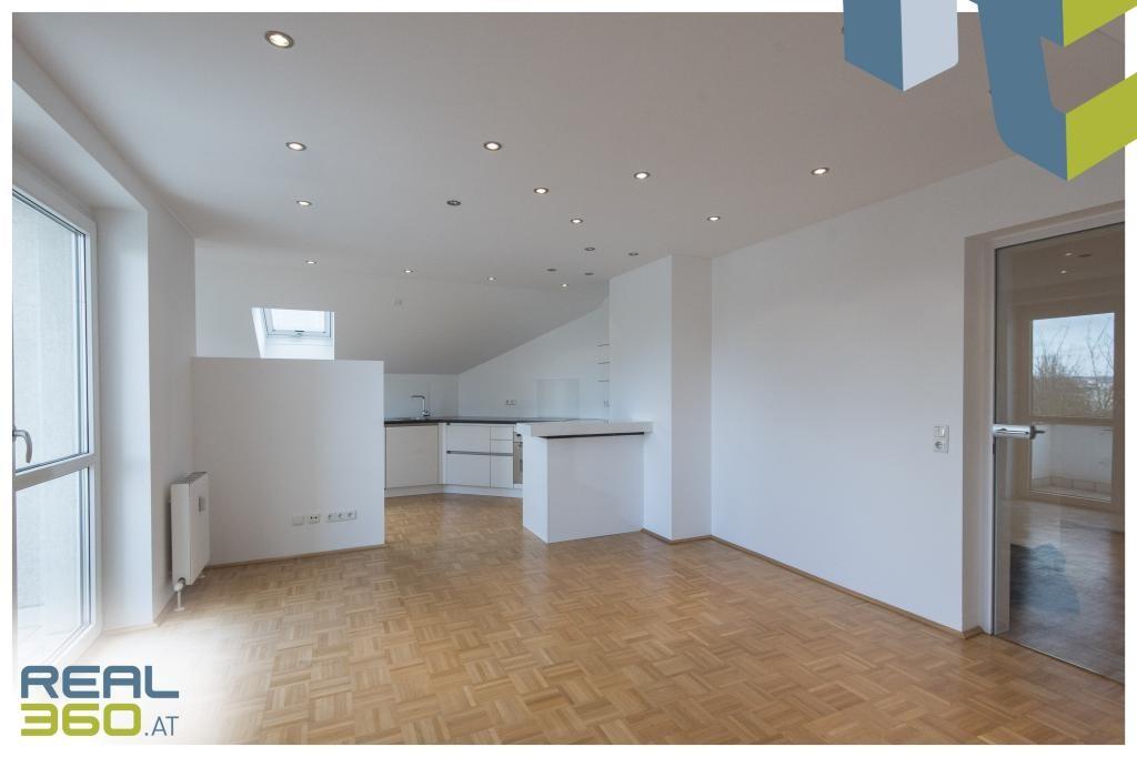 Wohnzimmer mit Küche und Essbereich II